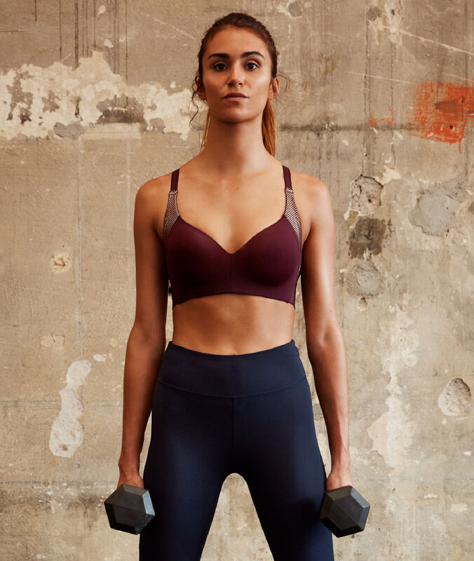 Sports bra - strong support blackcurrant.
