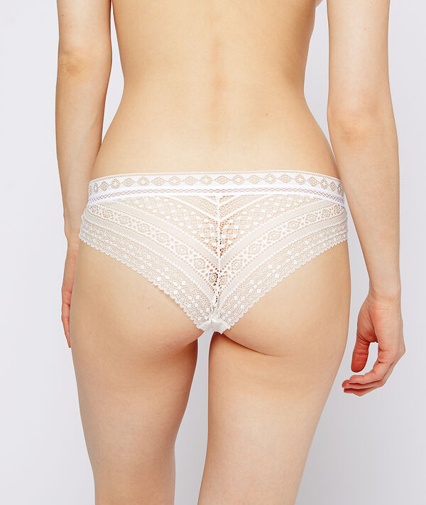 Graphic lace hipster;${refinementColor}