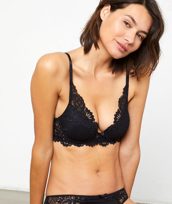 Bra n°6 : lace triangle bra;${refinementColor}