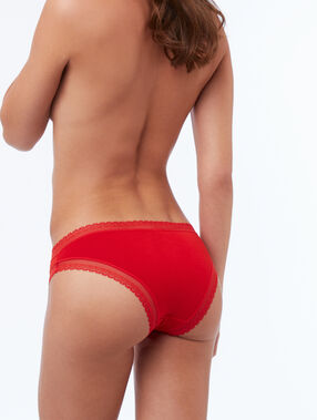 Soft, lace-edged, modal briefs vermillon.