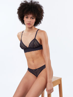 All-lace tanga anthracite.